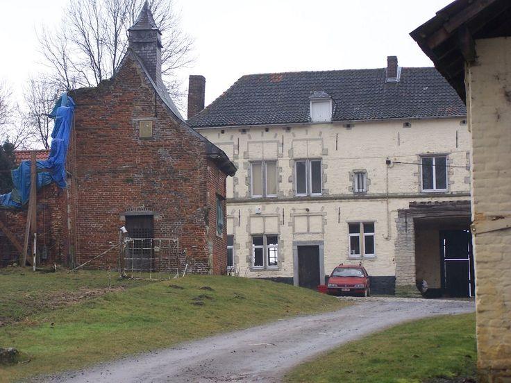 Hougoumont farmhouse decor