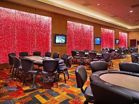 Ameristar entrega de las mesas de póquer en Chicago http://www.allinlatampoker.com/ameristar-entrega-de-las-mesas-de-poquer-en-chicago/