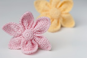 Crocheterie: Crochet Cute Little Flower - Free Pattern