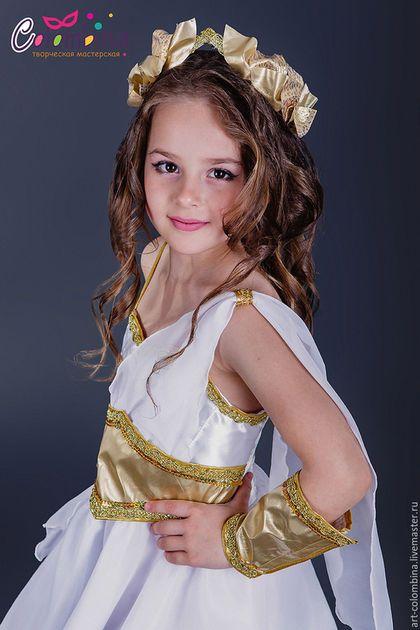 Купить или заказать Костюм греческой богини в интернет-магазине на Ярмарке Мастеров. Карнавальный костюм греческой богини для девочки комплектация: платье, венок, наручи, переплетения на ноги, чешки продаются отдельно 134-146 +300…