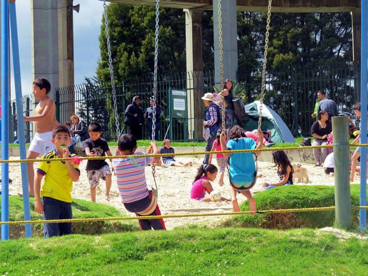 Niños felices, arena y mucha diversión: http://www.tuhotelbogota.co/category/parques/parque-simon-bolivar/