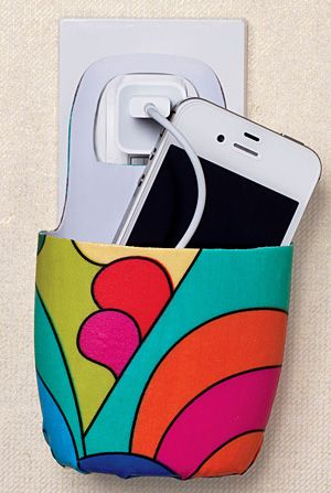 Plastic Bottle as Cellphone Holder.. un support pour recharger son tél. portable…