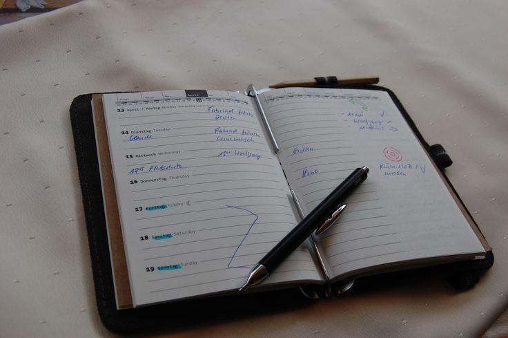 Orginal Roterfaden Kalender 2009 1 Woche auf 2 Seiten. Es können aber auch andere Kalender (Firmen verwendet werden).