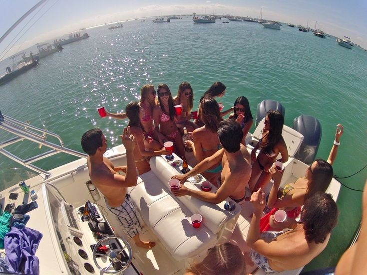 Bachelor Yacht Party in Los Angeles http://www.yachtparty ... Lake Lanier Party