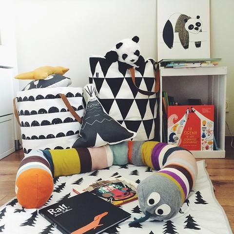 Black and White Storage Baskets for Kids Rooms. Modern Nordic Styler