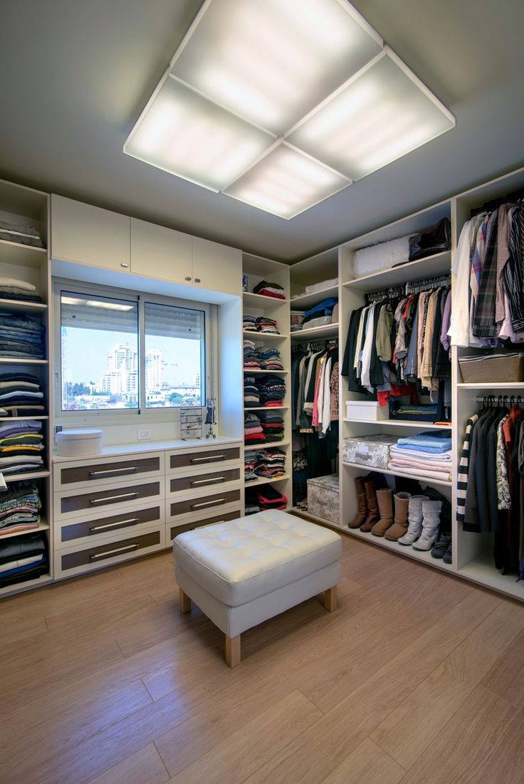 Walk in closet BLV Design