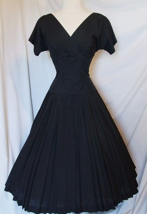 1950s Vintage Black Cotton Twirl Full Circle Skirt Swing Portrait Party Dress.  This one really   truly is my dress now!  Woo Hoo!