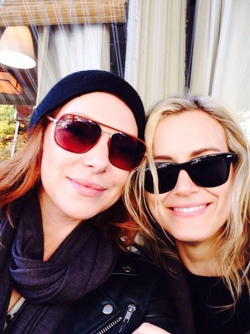 THERE IS A CANDID! IT EXISTS!  Laura Prepon & Taylor Schilling - Orange is the New Black