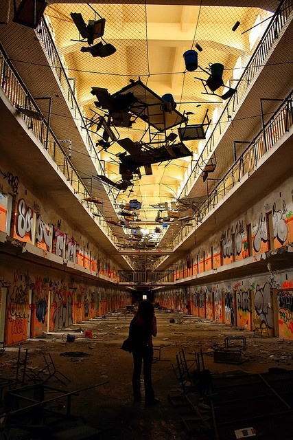 Carabanchel abandoned prison - Not such an impossible dream...