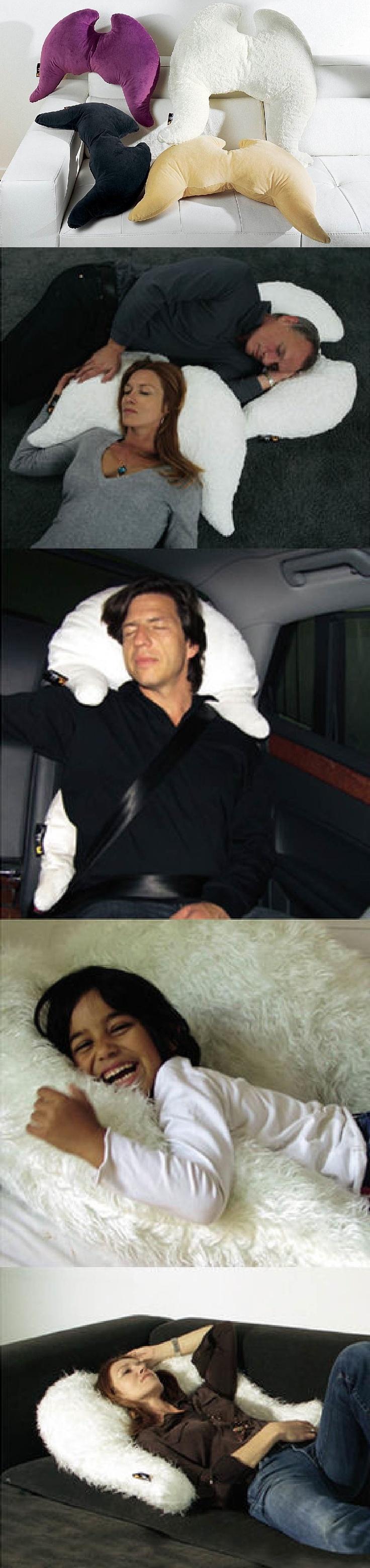 Un coussin à ailes pour un ange endormi ! Pratique et confortable, parfait pour éviter les torticolis en voiture ! http://www.helline.fr/Coussin-ailes-Merowings/an053669X/HellineFr?s==sh17834218sp10015029233