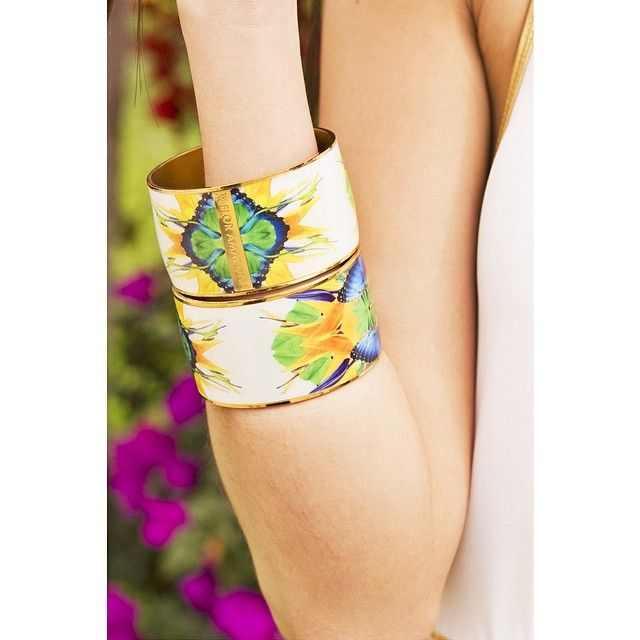 Happy Monday Glamazons! If your holidays are over, don't worry! You can be in paradise everyday with @FLOR AMAZONA! Wear the Amazon wit...