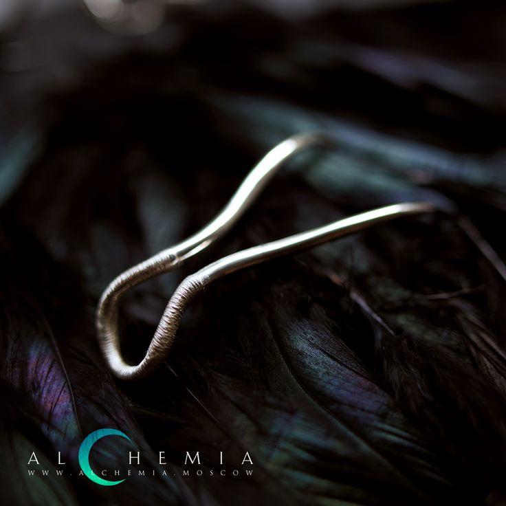 Кольцо «Телец» из коллекции «Зубы». Выполнено из серебра 925 пробы.