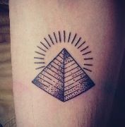 Pyramid Tattoo but with all three sides showing