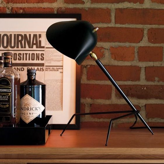 lampe de bureau tripode noir h35cm serge mouille steel black and ux ui designer. Black Bedroom Furniture Sets. Home Design Ideas