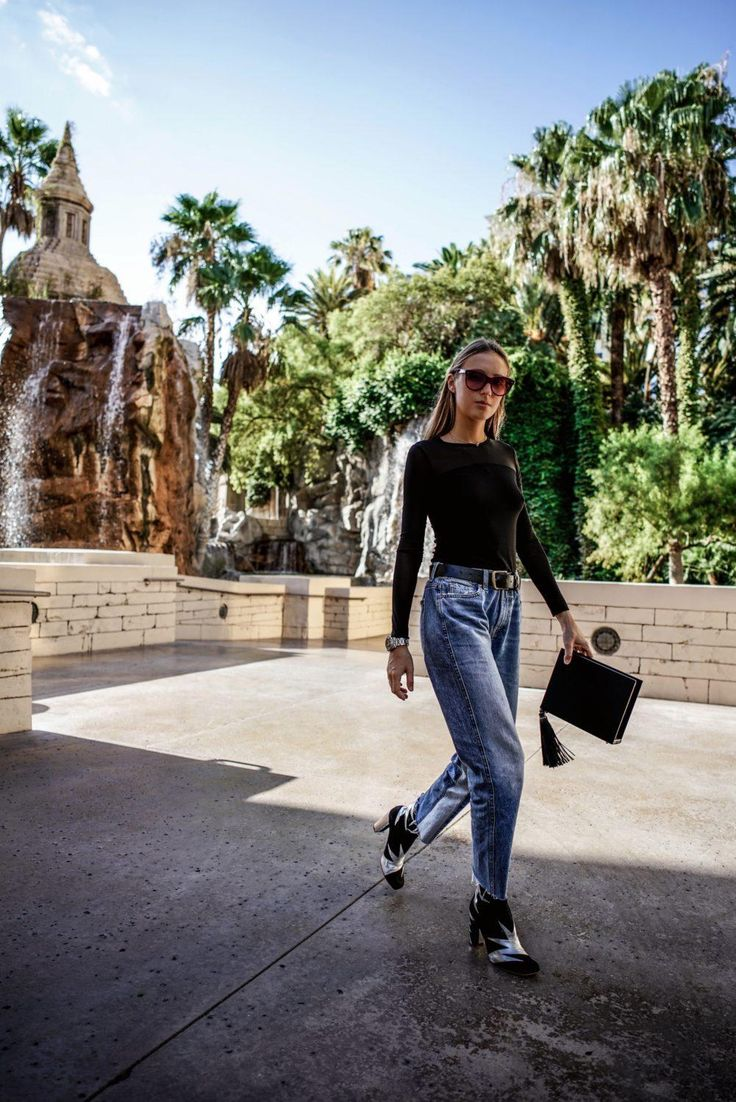 terry de havilland shoes, Oliver Goldsmith sunglasses and 7 for all mankind jeans styled by Tanya Litkovska in las vegas. More on HIDEMYCOAT blog
