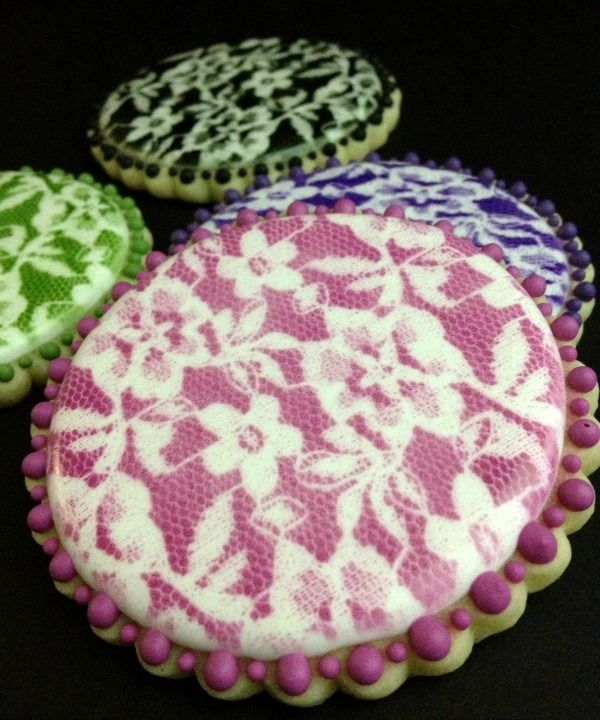 Airbrushing lace on cookies SweetSugarBelle