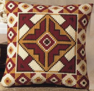 http://www.coudre-broder-tricoter.com/Vervaco/Coussin%20canevas/D%C3%A9co/forme%20g%C3%A9om%C3%A9trique%20634.jpg