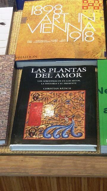 """""""Las plantas del amor"""" de Christian Rätsch. Fondo de Cultura Económica."""