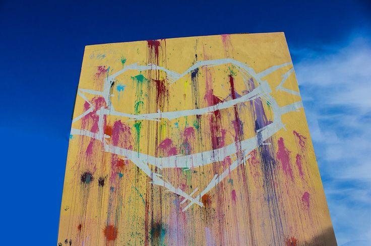#oneluvwall #mural #. stencil #balloons #warforlove #makelovenotwar #athens #melissia