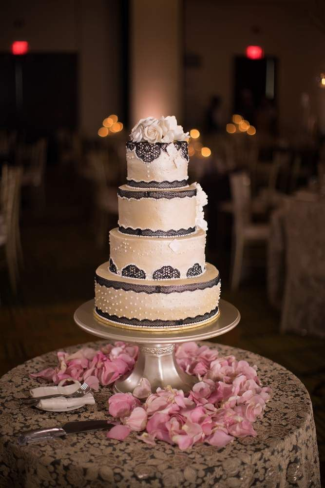 Ndian Weddings Inspirations Brown Wedding Cake Haring Photography Best Indian Wedding Photos Indian Wedding Decorations Receptions Miami Wedding Photographer