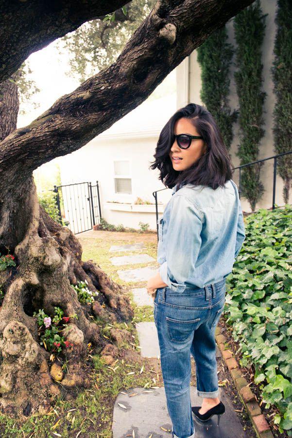 Olivia Munn In Relaxed Denim Shirt + Denim Boyfriend Jeans + Black Classic Court Shoes