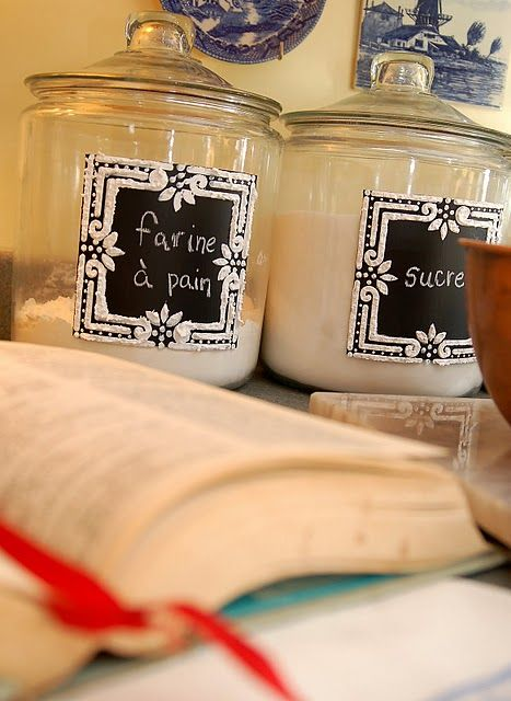 Tutorial for these glass jars with chalkboard paint and decorative trim from Miss Mustard Seed.