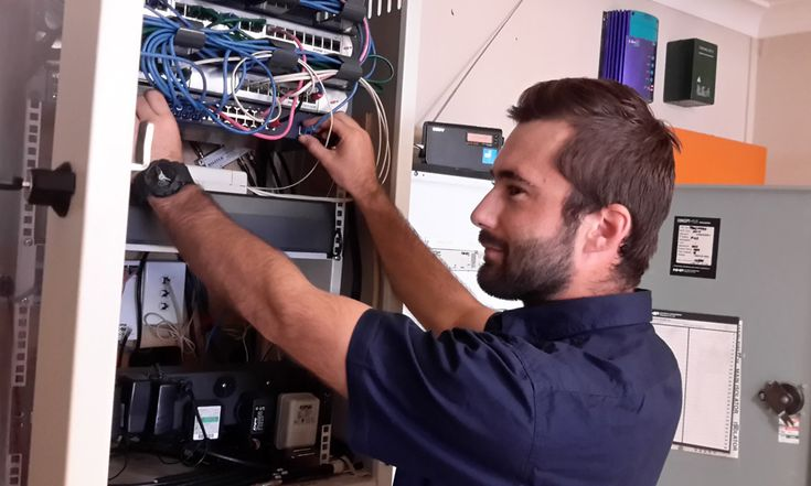 Job of electrician involves a plenty of work at home and in the commercial area. They make sure that all the electrical installations are working perfectly and to the appropriate building regulations.