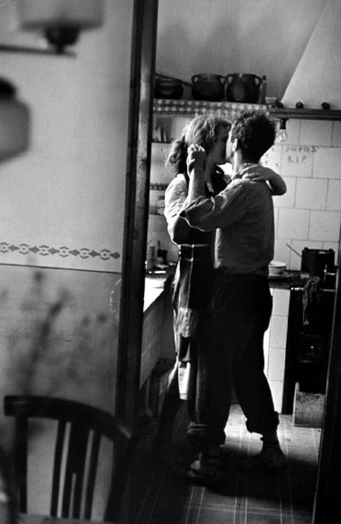 Eliott Erwitt, Mary and Robert Frank, Valencia, 1952