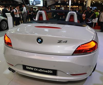 BMW Z4, Roadster Hi-Tech dengan Citarasa Klasik | MEN'S JOURNEY