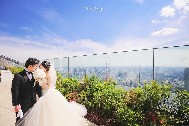 #東京タワー  当日前撮りラストは 東京を見下ろす このテラスで   楽しかった   おはようございます  7月は 爽快な青空が 気持ちいい季節   夏の前撮り まだまだ 受付中です   #プレ花嫁 #日本中のプレ花嫁さんと繋がりたい #結婚式準備 #ドレス試着 #前撮り#ウェディングフォト#ロケーションフォト#ウェディングドレス #卒花嫁#卒花#みんなのウェディング #エンゲージリング#プロポーズ#ウェディングソムリエアンバサダー#東海プレ花嫁#東京カメラ部