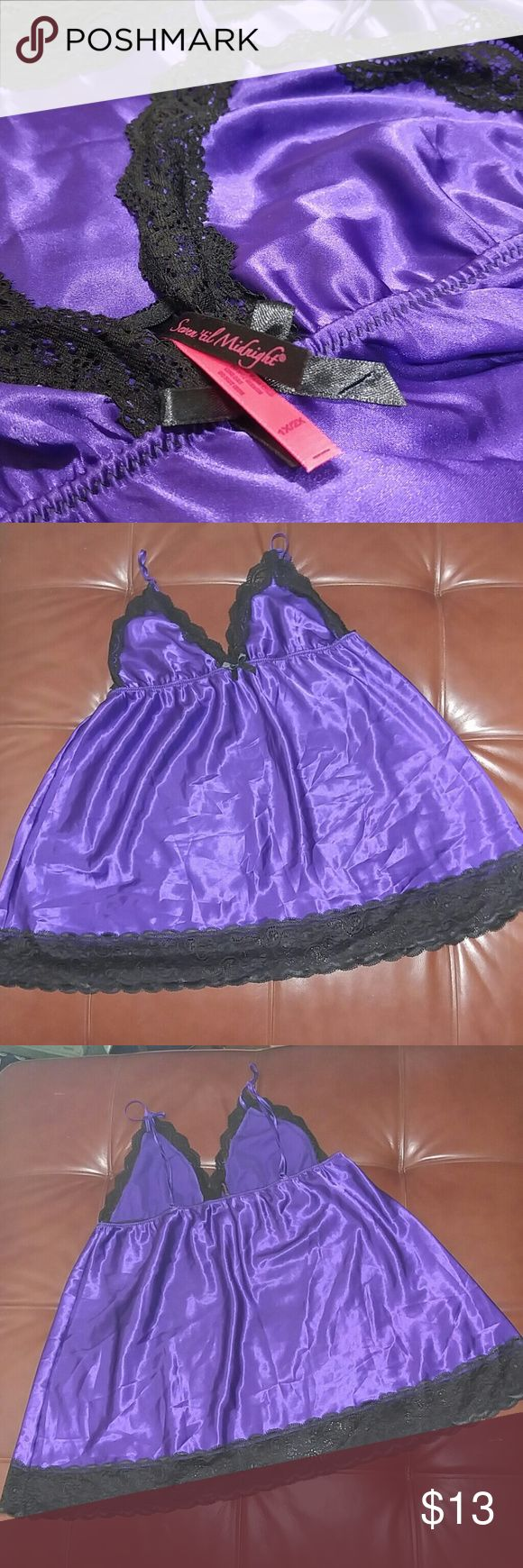 Purple & Black 1X-2X Nighty Baby Doll NWOT Never worn. Great condition. Very Sexy and comfortable. True to size. I was wearing 14-18 & 40D when i purchased this it fit will and had room to spare. Intimates & Sleepwear Chemises & Slips