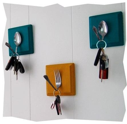 Love these DIY hooks--so cute for the kitchen and dont need to hold JUST keys! From A Mum in the Oven: http://on.fb.me/xR5TEc