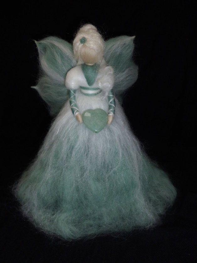 Deko-Objekte - Edelstein-Fee *Aventurin* aus Märchenwolle - ein Designerstück von sommerli bei DaWanda