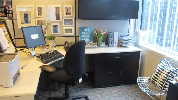 Best 25+ Cubicle makeover ideas on Pinterest | Work office ...