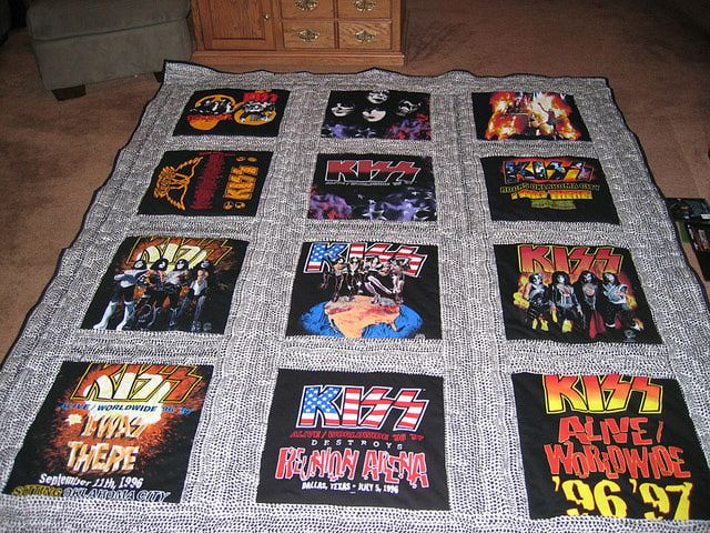 122 best T shirt quilts images on Pinterest | Memory quilts, Craft ... : tee shirt quilt makers - Adamdwight.com
