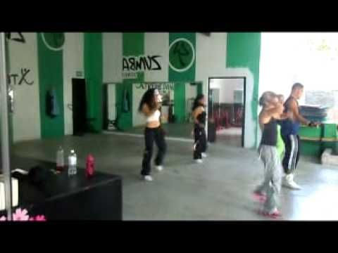 Love this instructor's energy,WILLIAM TWS. Great reggaeton #zumba routine. Song: DALE BY LA FACTORIA