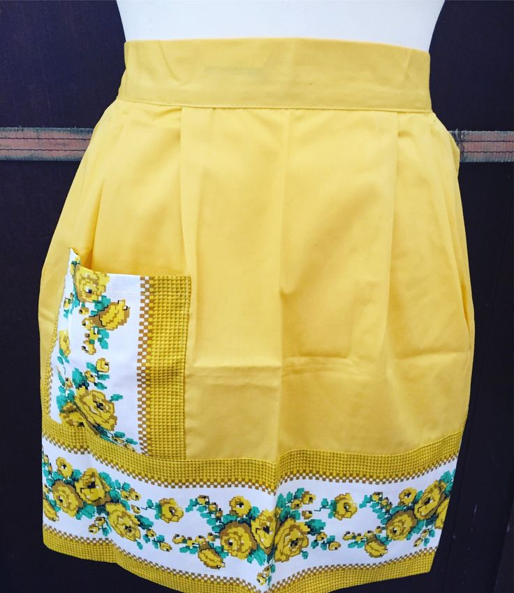 vintage/apron/pristine/1950s/kitschy/kitschen by WifinpoofVintage on Etsy