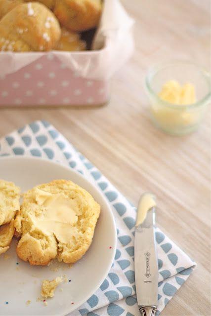 Lykkelig - mein Foodblog: Buttermilch-Zitronen-Brötchen... oder Frühstück mit Philuko und Heute Schmidt!