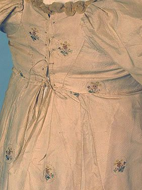 Gown, back lacing detail, c. 1800-1810. Whitaker auction.