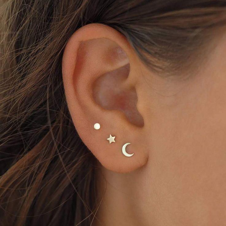 Piercing Face, Pretty Ear Piercings, Ear Peircings, Ear Piercings Cartilage, Body Piercings, Cartilage Earrings, Three Ear Piercings, Ear Piercing Studs, Tongue Piercings