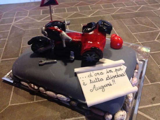 Torte per chi ama le due ruote e si sente un po' Esay Rider, un po' Valentino Rossi!