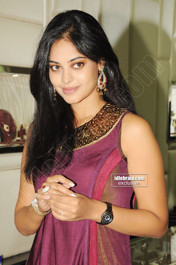 http://www.idlebrain.com/movie/photogallery/bindumadhavi42/images/bindumadhavi00012.jpg