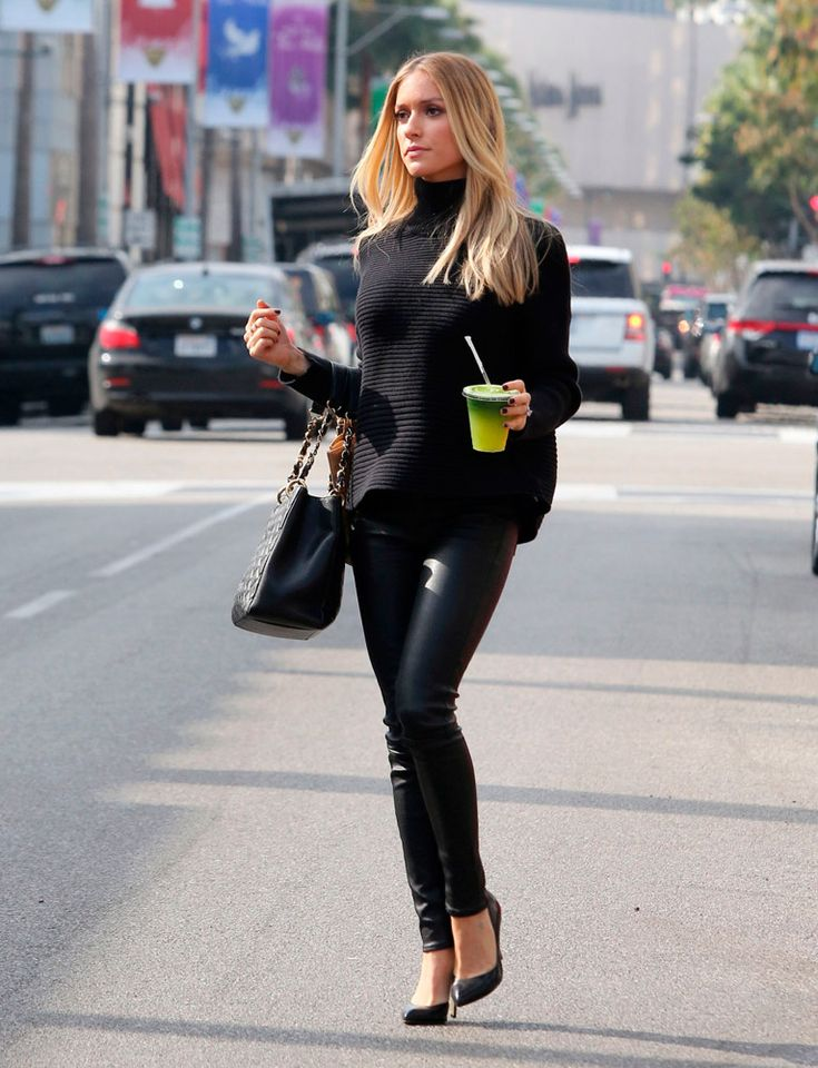 Los pantalones de piel son el must del celebrity street style. ¿Cuál es tu look favorito? KRISTIN CAVALLARI