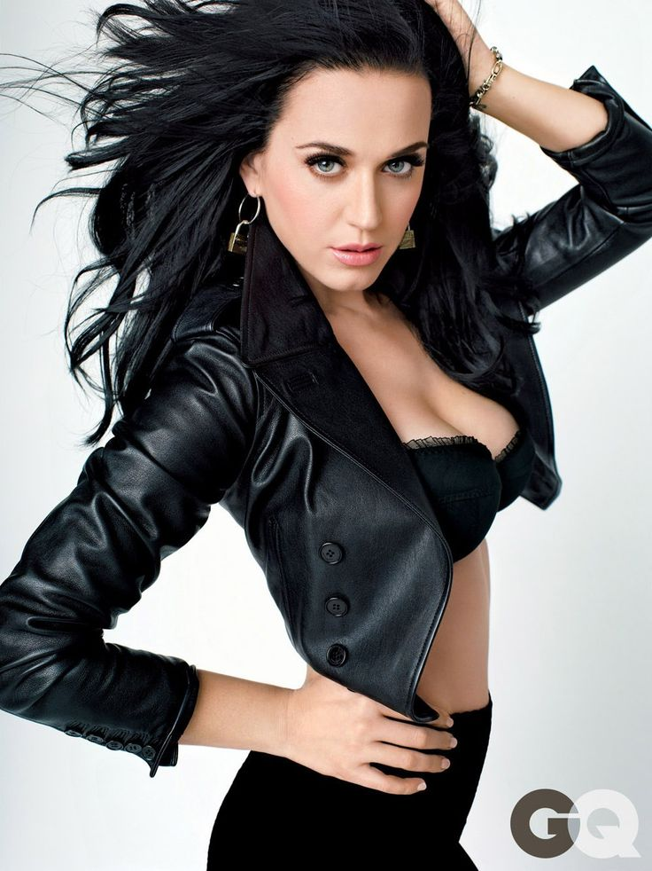 Katy Perry is my absolute girl crush and looks so incredible in this picture.