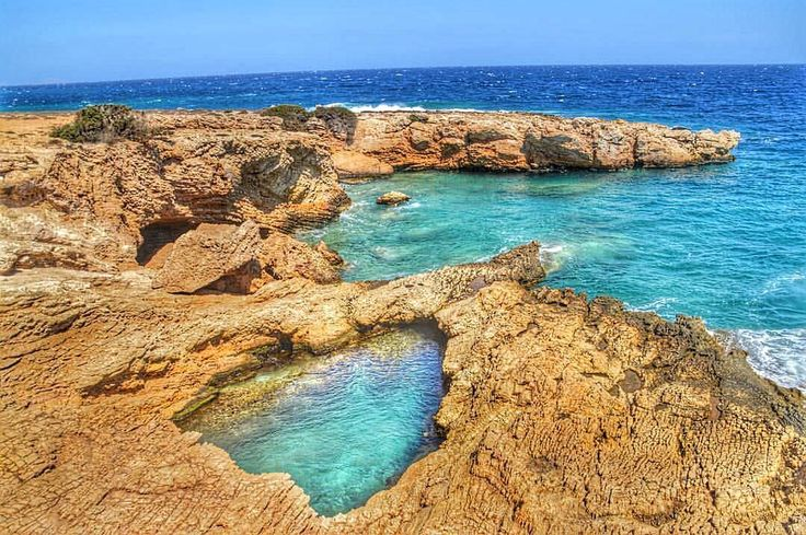 Koufonisia islands (Κουφονήσια) part of the small Cyclades . Impressive natural pool , perfect for dives in combination with wild rock formations !!