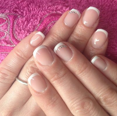 Gel on natural nails - OVERLAY