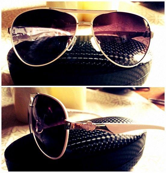Hvite Pilotbriller i Trendy Design - FINN Torget