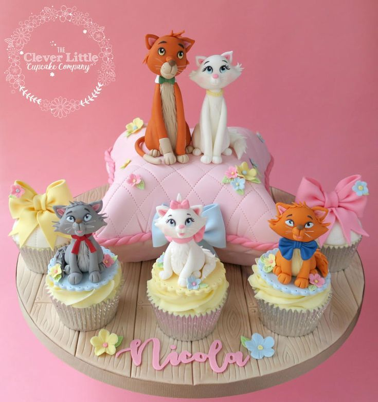 Aristocats Cake By The Clever Little Cupcake Company Disney Cake Toppers Cake Disney Cakes