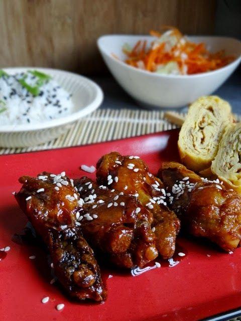 In één van die kinderkookboeken staat een recept voor kleverige kip. Zijn favoriet destijds vanwege de lekkere zoete smaak en het geplak natuurlijk. Die kip is dit niet , ik heb een klein uitstapje naar Japan gemaakt. Geheel authentiek zal het niet zijn maar plakvingers zijn gegarandeerd!