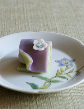 キキョウ (bellflower) Japanese traditional sweets